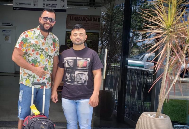 Empresário Beto Bonelly e Cantor Fann Estourado embarcam para São Paulo para gravação do Programa Raul Gil