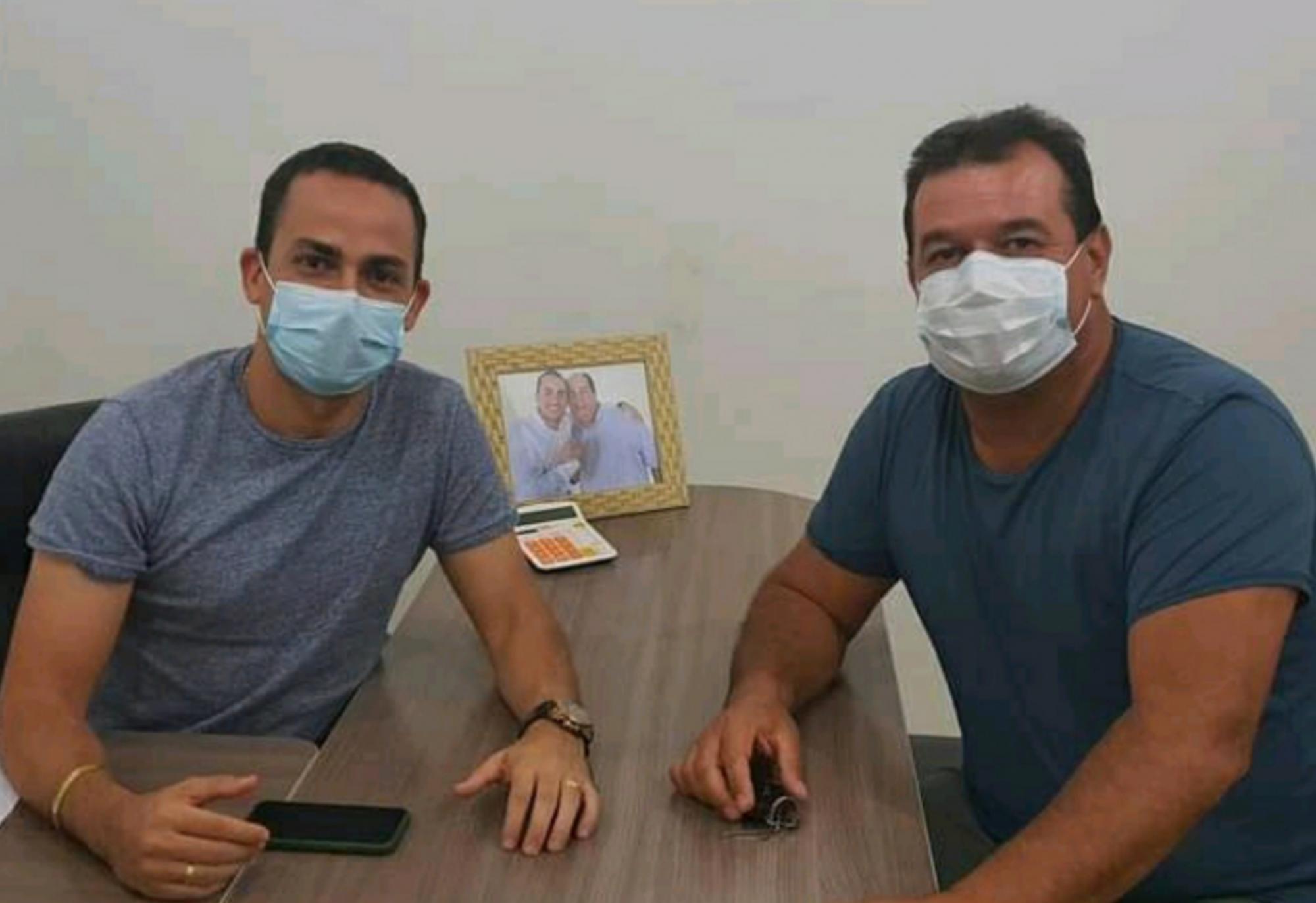 Deputado Marquinho Viana visita o prefeito Phellipe Brito, em Ituaçu