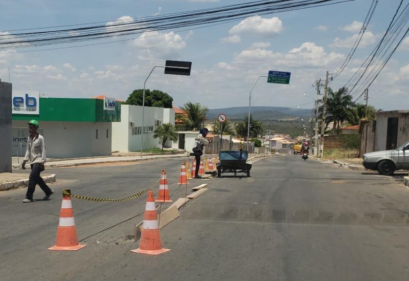 Brumado: SMTT realiza o prolongamento do canteiro central da Avenida João Paulo I
