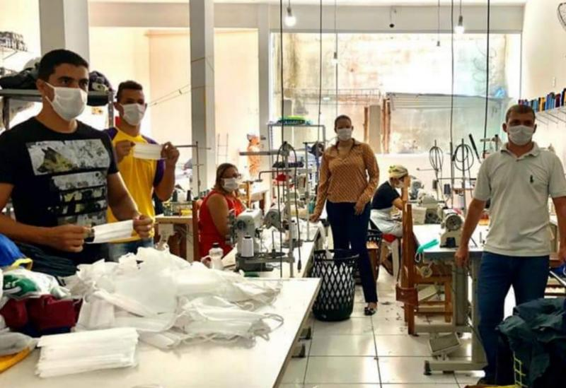Brumado: prefeitura agradece empenho de empresário da Malharia Novo Estilo que acelerou produção de máscaras para serem doadas ao HMPMN