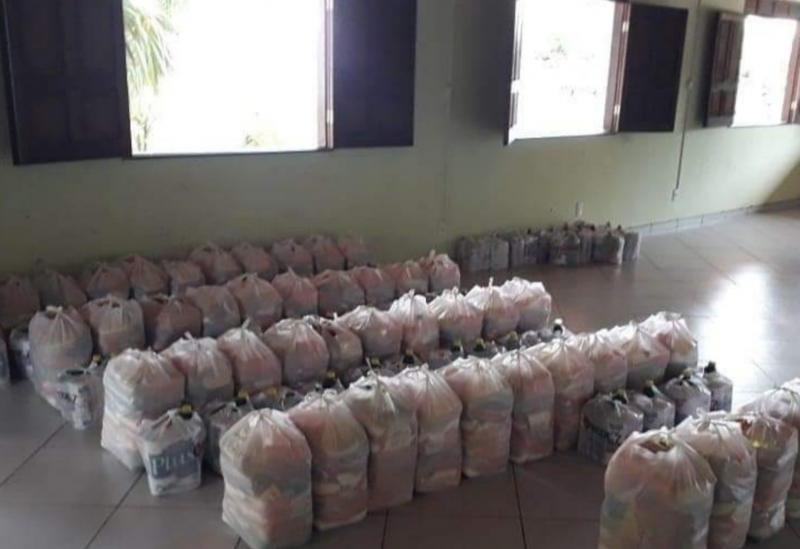 Brumado: Associação Divina Providência, em parceria com os Vicentinos, distribuiu alimentos e materiais de limpeza às famílias carentes
