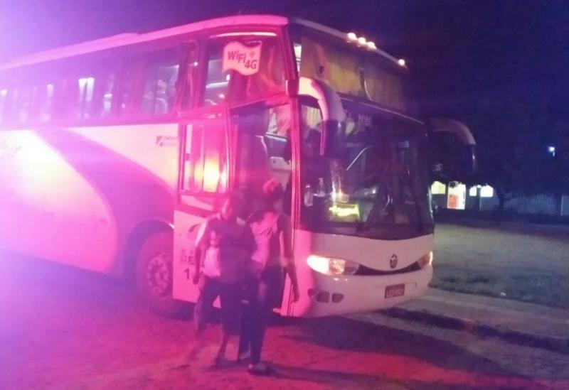Em controle e combate aCovid– 19 ônibus clandestino que saiu de São Paulo com destino a Livramento foi interceptado e escoltado até a UPA 24h