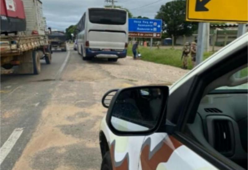 Cipe Sudoeste apreende em Guanambi ônibus que infringiu medidas de restrição de transporte devido a Covid-19