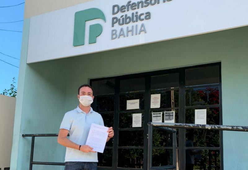Fabrício Abrantes representa contra o Município de Brumado junto à Defensoria Pública do Estado da Bahia para garantir cestas básicas aos alunos municipais