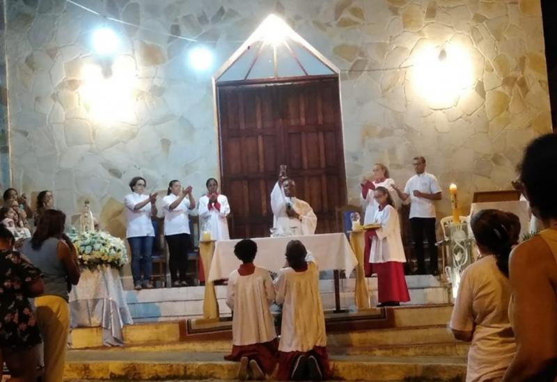Fiéis celebram o Dia de Nossa Senhora de Fátima em Brumado