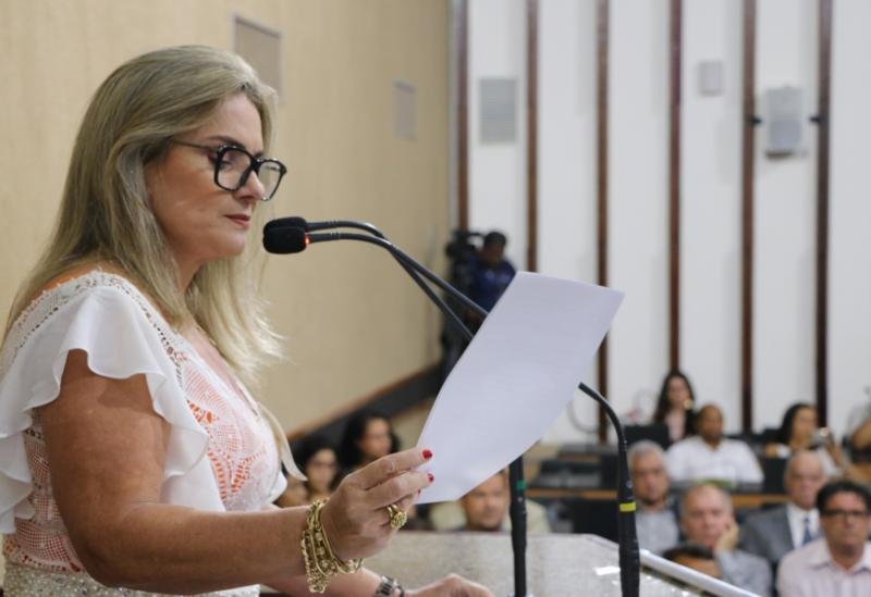 Ivana Bastos emplaca projeto que defende atendimento por policiais do sexo feminino às mulheres vítimas de violência