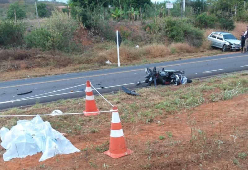 Brumado: senhor morre após moto que conduzia colidir contra carro próximo ao Parque de Exposições Gilson Brito