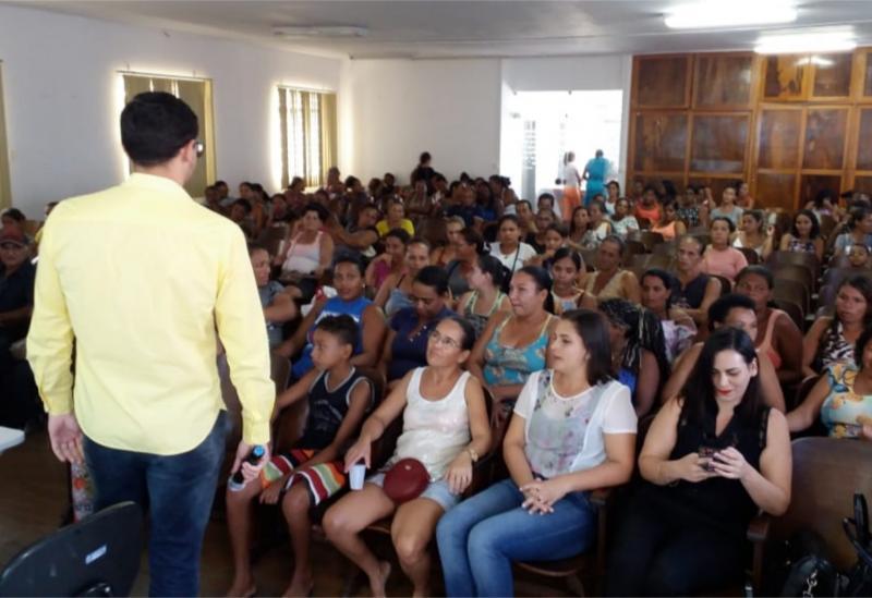 Brumado: CRAS promove palestra para cerca de 130 famílias
