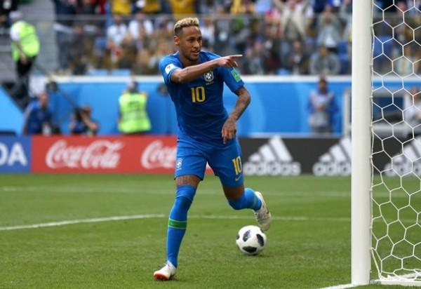 Brasil vence Costa Rica por 2 a 0 nos acréscimos