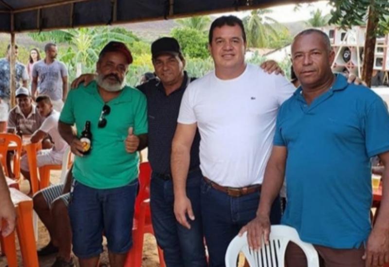Deputado Marquinho Viana participou da festa do Boi no Roletes, em Tanhaçu