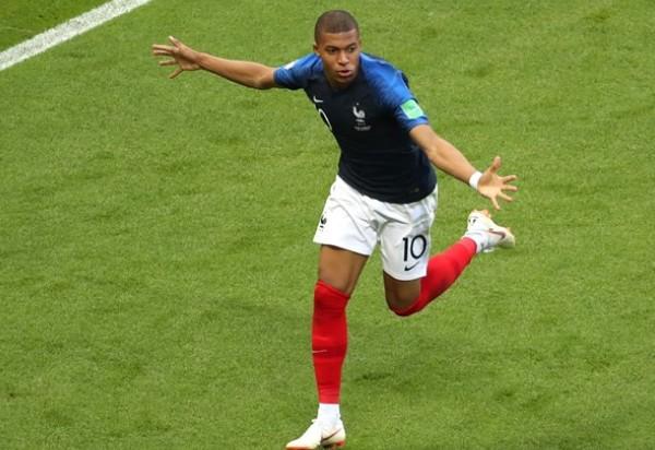 Mbappé lidera vitória e França vai às quartas de final