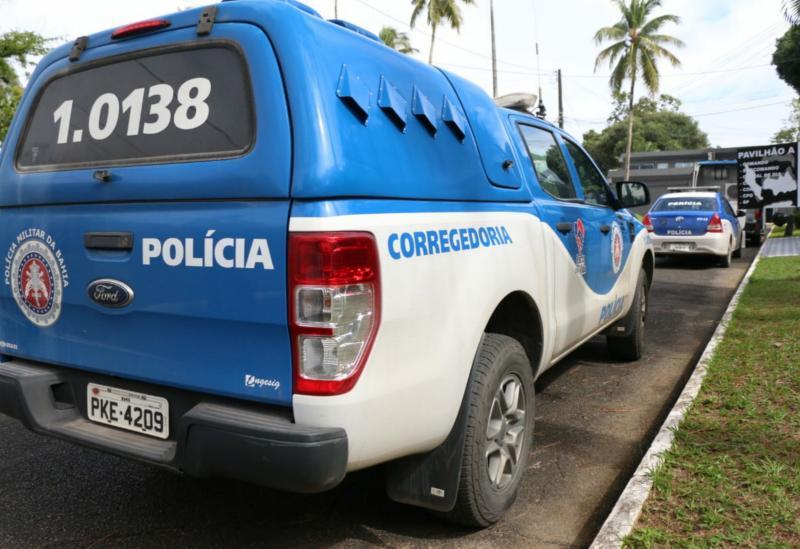 Bahia: Sete PMs suspeitos de sequestros e roubos são alvos de operação