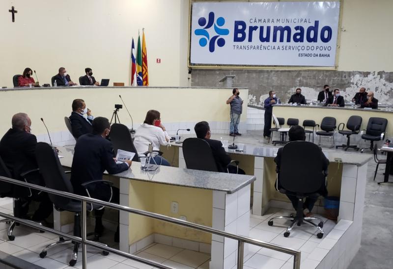 Câmara de Vereadores de Brumado aprova admissibilidade/prosseguimento da denúncia para cassação do mandato do prefeito Eduardo Vasconcelos