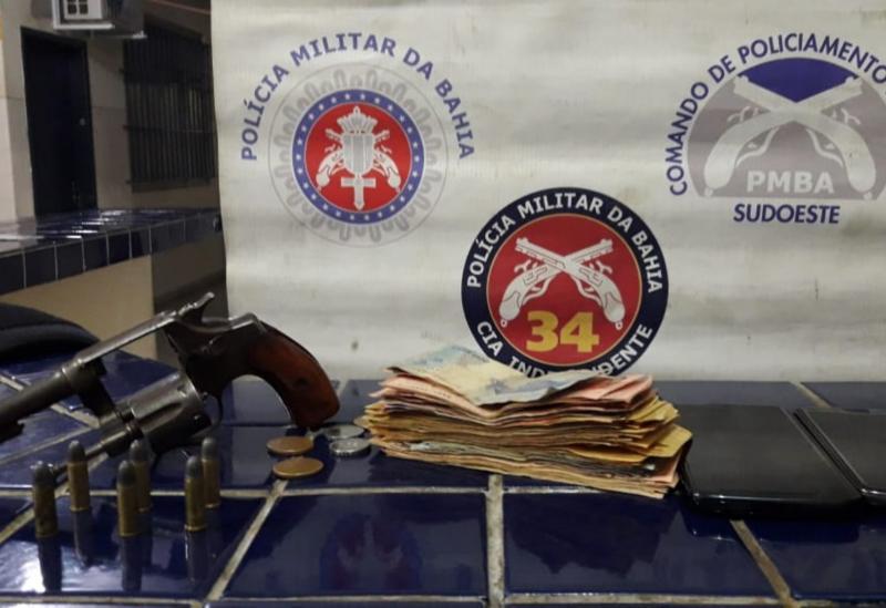 Suspeitos de terem assaltado correspondente bancário em Livramento são presos em Brumado
