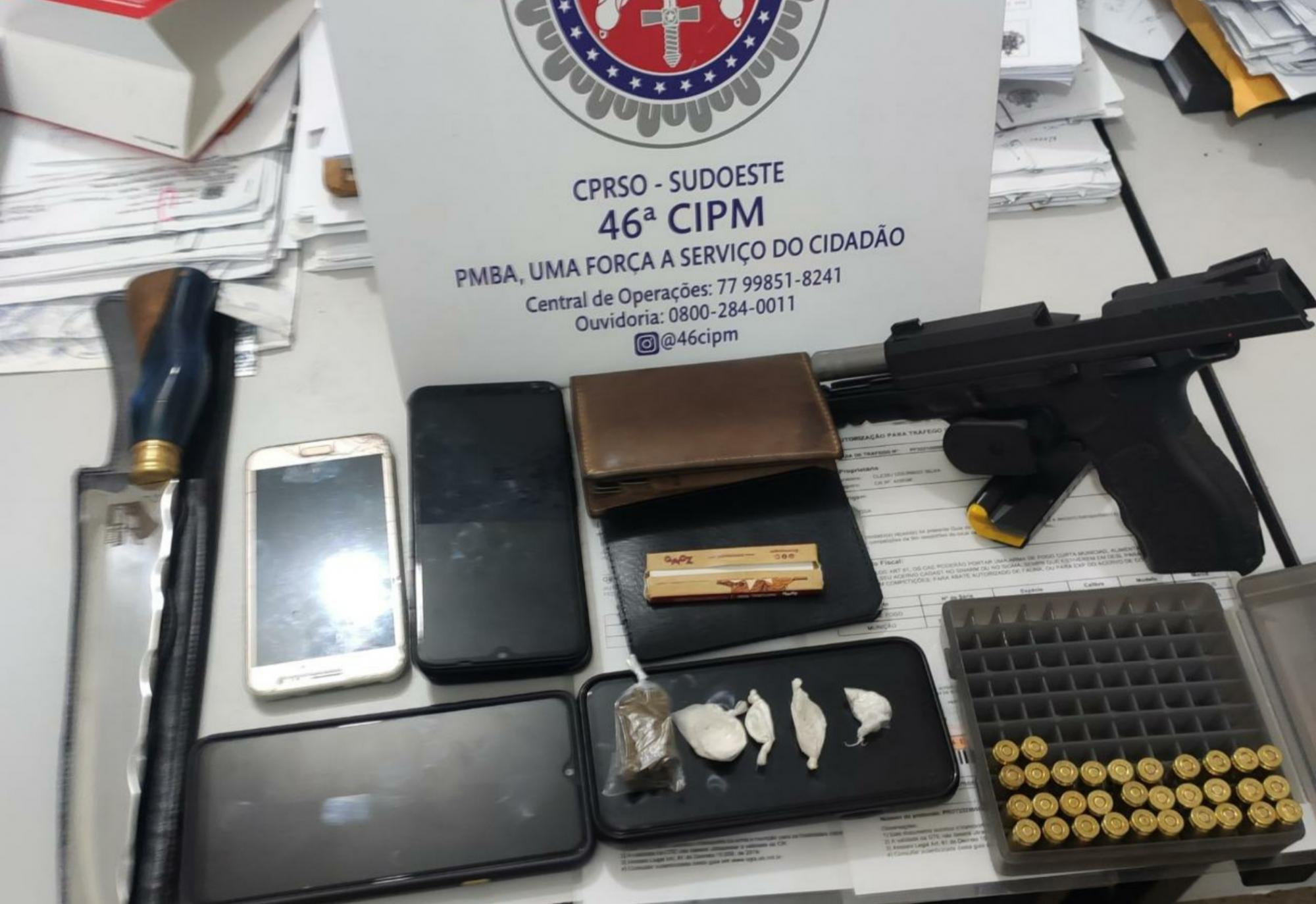 Cigano é preso com pistola, munições e drogas em Livramento