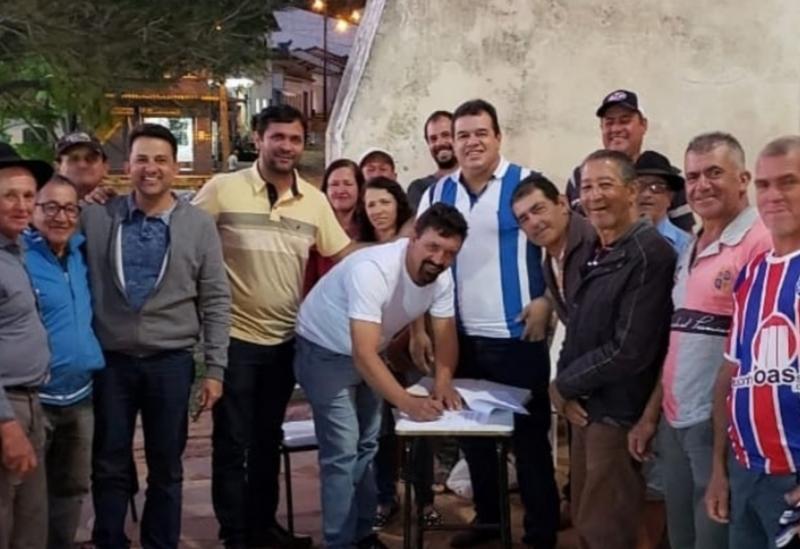Resultado de imagem para Deputado Marquinho Viana participa da assinatura de convênio em Rio de Contas