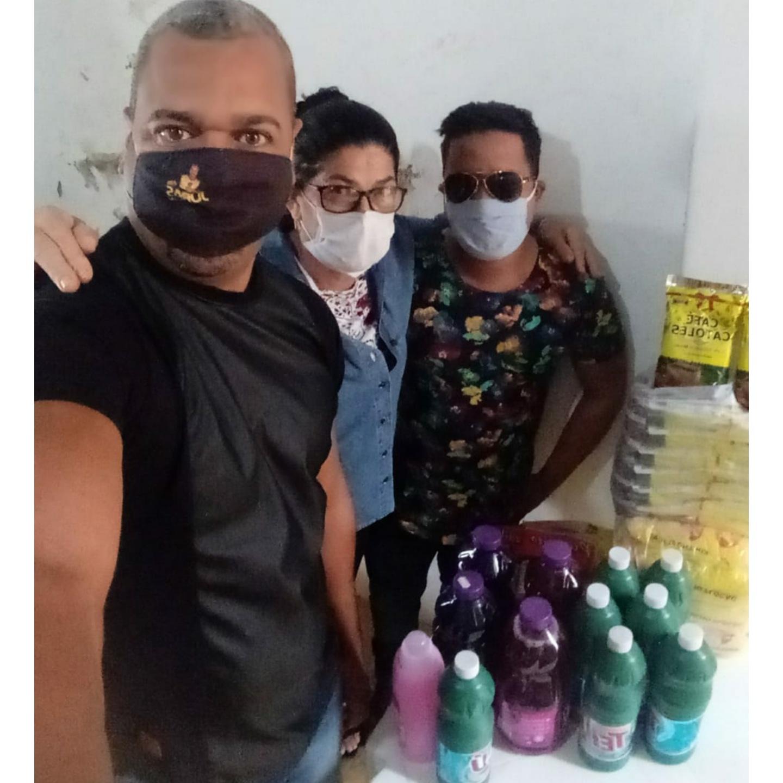 Brumado: Adriano Souza e Juras.com realizam entrega de material arrecadado em Live Solidária