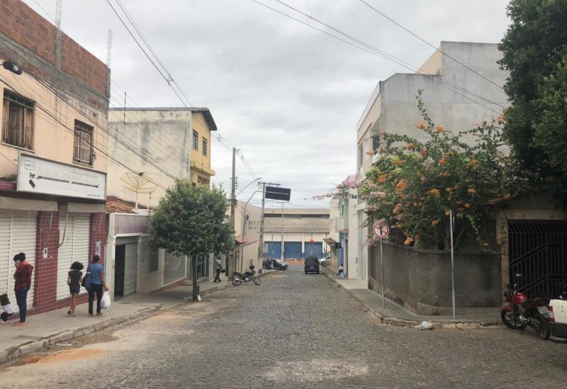 SMTT informa que a Rua Sargento Antenor passa a ser mão única em seu trecho inicial próximo à Avenida Centenário