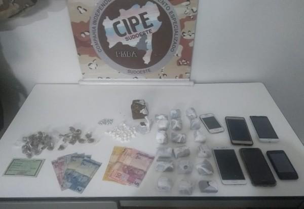 CAESG apreende grande quantidade de drogas em Barra da Estiva