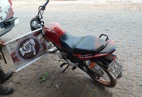 Homem é detido em Caculé acusado de receptação de motocicleta com restrição de furto/roubo