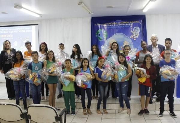Brumado: alunos da rede municipal de ensino participaram da solenidade de premiação do Espantaxim 2018/2019