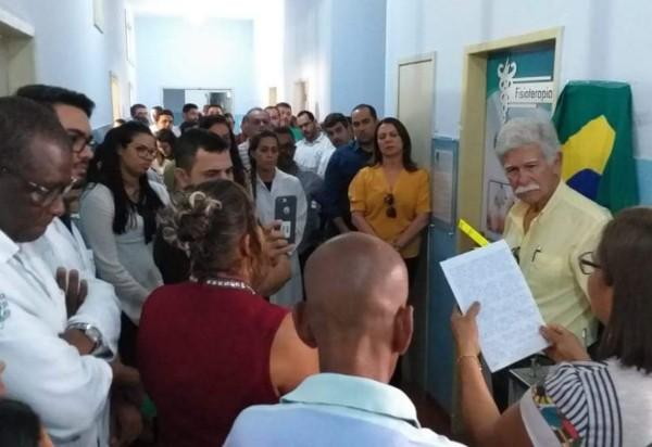 Maria Silva dos Santos tem nome eternizado em cerimônia de entrega da Sala de Fisioterapia do Hospital de Brumado