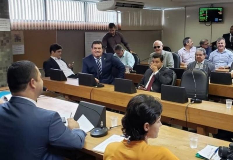 Deputado Marquinho Viana discute limite de municípios, na ALBA