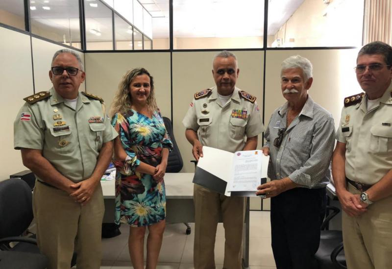 Brumado: Assinado o Termo de Cooperação Técnicapara implementação do Sistema de Ensino dos Colégios da PM na Escola Idalina