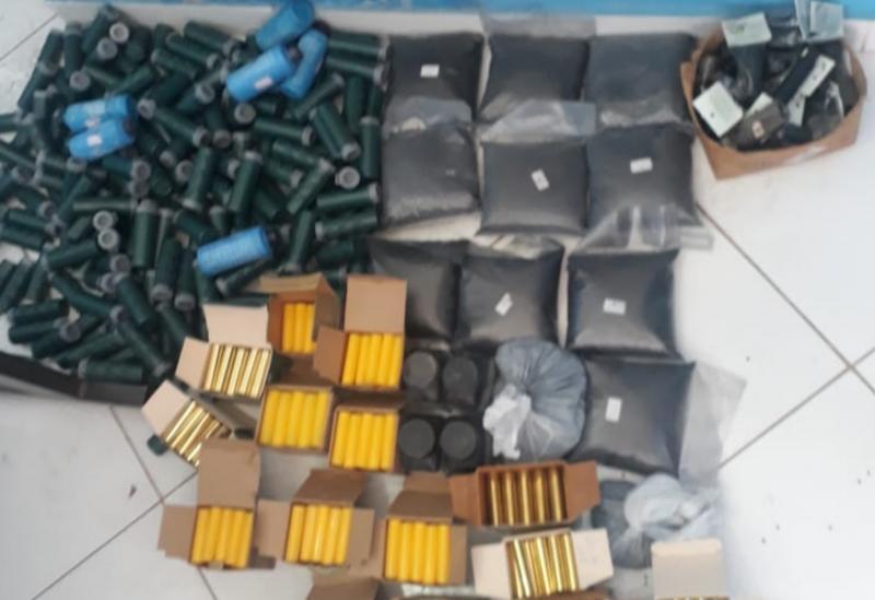 Cipe Central apreende grande quantidade de munições e pólvora para arma de fogo em Tanhaçu
