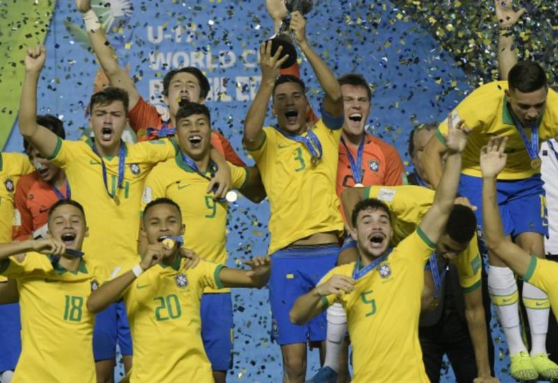 Seleção bate o México e é campeã mundial Sub-17