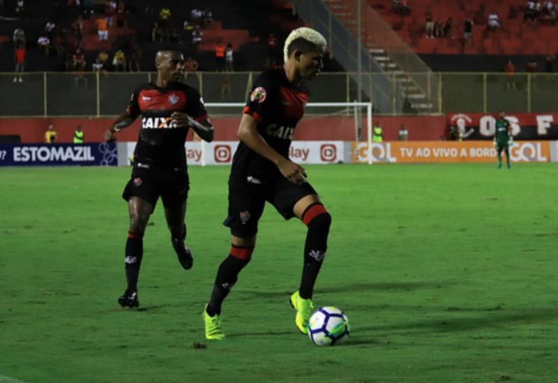 Vitória perde por 2 a 1 para o Atlético-PR