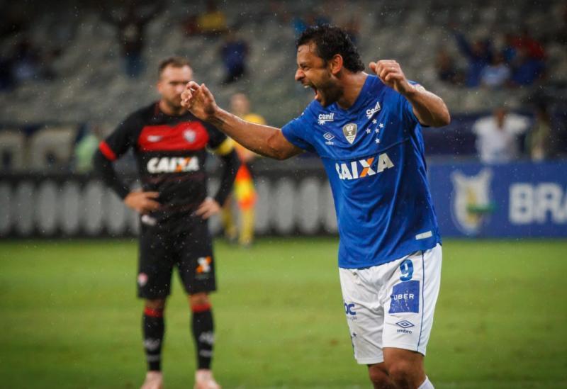 Vitória perde para o Cruzeiro, no Mineirão, por 3 a 0