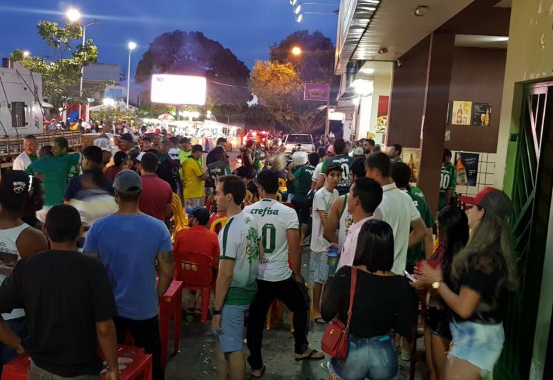 Brumado: Torcedores do Palmeiras comemoraram o título na Praça da Prefeitura
