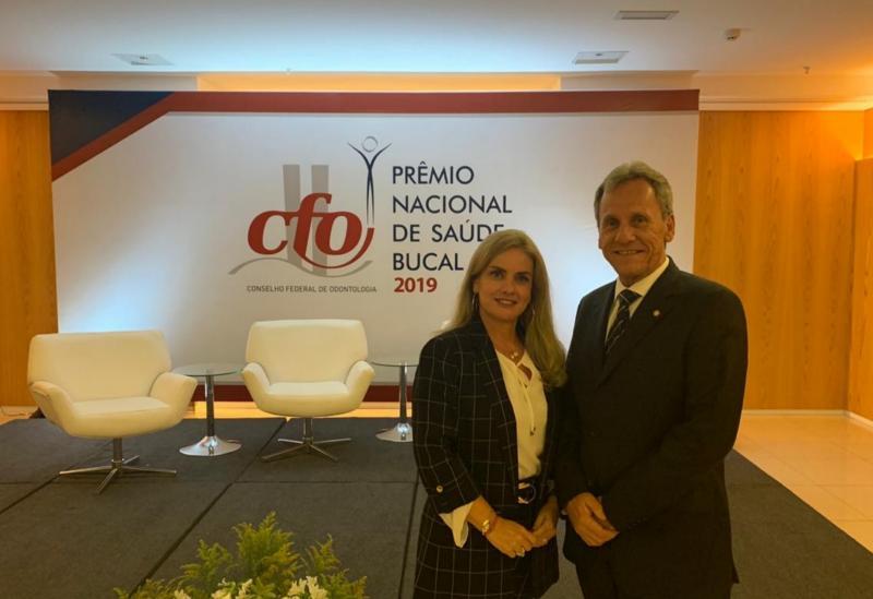 Ivana participa da entrega do prêmio de 1º lugar em Saúde Bucal para Dom Basílio