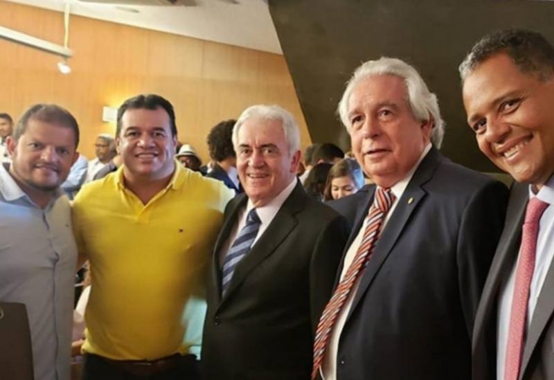 Deputado Marquinho Viana participa da posse de Nelson Pelegrino na SEDUR