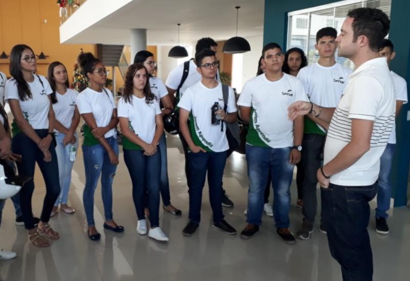 Brumado: A4 Veículos recebe visita técnica de alunos do Curso de Administração Jovem Aprendiz do Senac