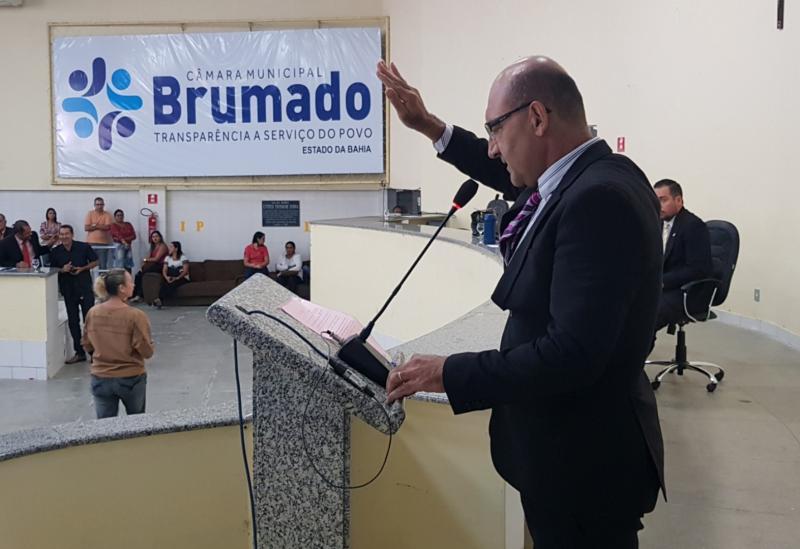 Brumado:GirsonLedo assume vaga como suplente na Câmara de Vereadores; mandato segue até o dia 16 de dezembro, dia 17Dudu Vasconcelos retorna a Casa