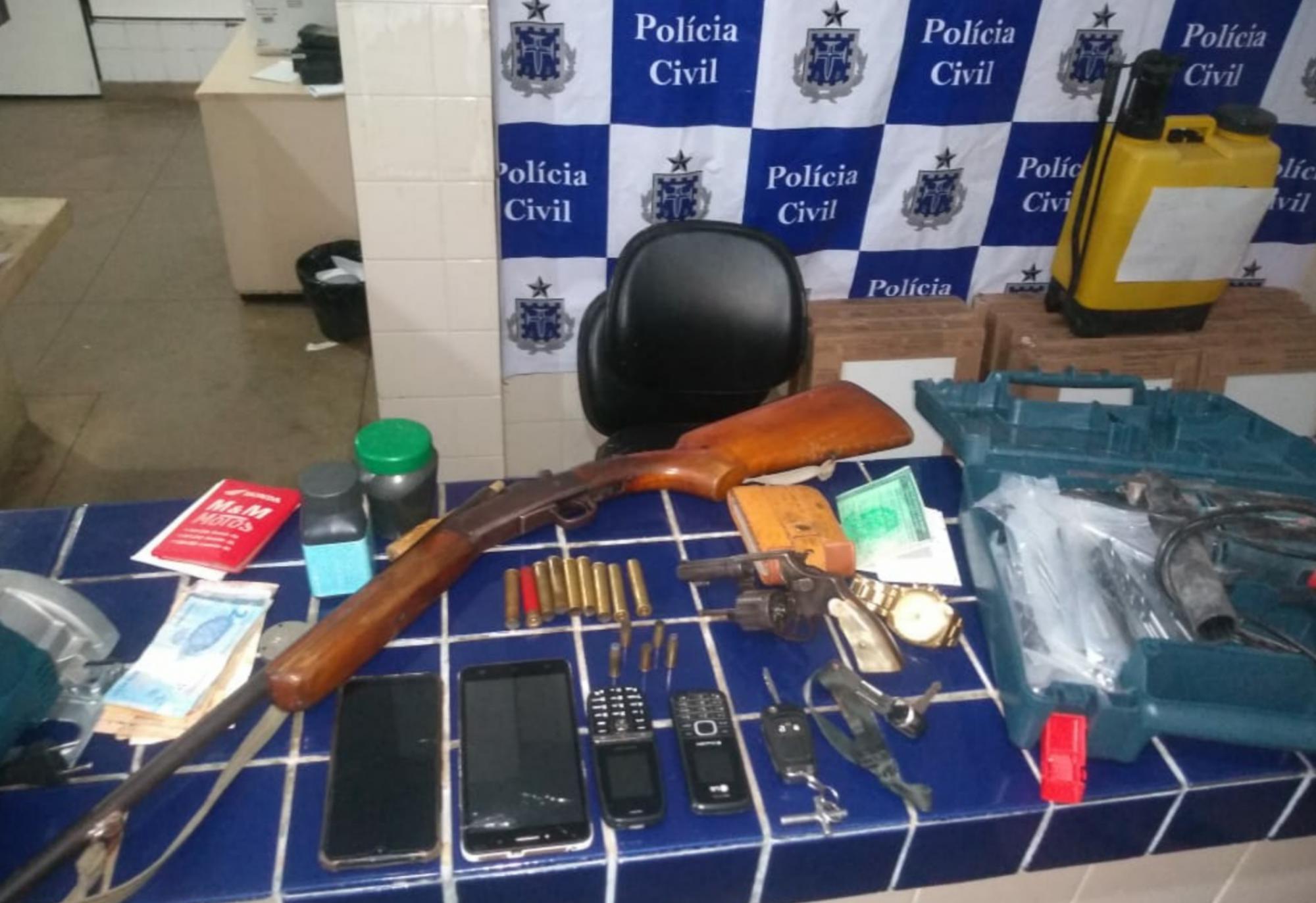 Em operação em Aracatu, polícia recupera veículos roubados