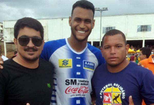 Brumado: Empresário Thiago Pinto prestigiou o Futebol Solidário