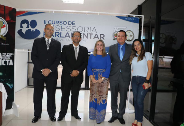 Ivana Bastos prestigia Curso de Assessoria Parlamentar para policiais militares