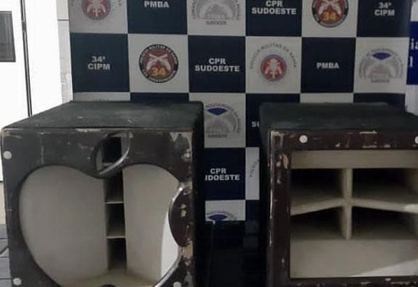 Polícia Militar recupera caixas de som furtadas em Brumado