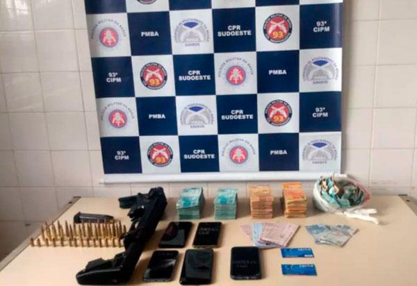 Dupla suspeita de envolvimento em assalto a agência bancária em Correntina é presa