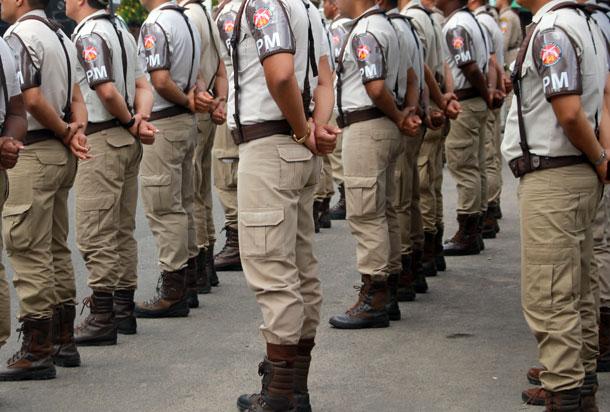 Bahia: Policias militares decretam greve por tempo indeterminado