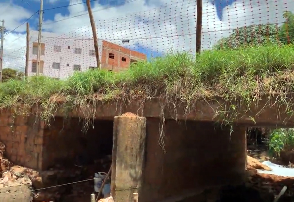 Brumado: Obras de ampliação e alargamento do pontilhão na Av. Cleobulo Meira Leite no bairro do Esconso estão sendo intensificadas