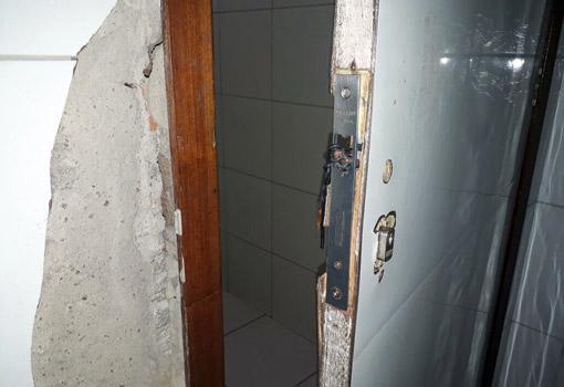 Brumado: pacientes e acompanhantes do Hospital Magalhães Neto reclamam da situação precária do banheiro masculino