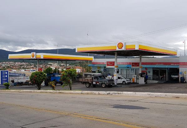 Brumado: faça a troca de óleo de seu veículo no Posto Meira