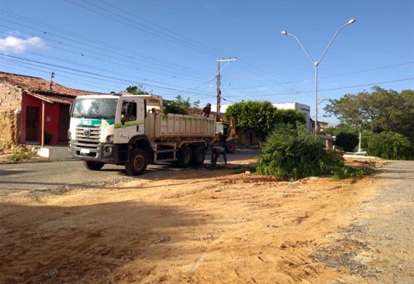 Aracatu: Prefeitura inicia construção da praça da Rua Nova