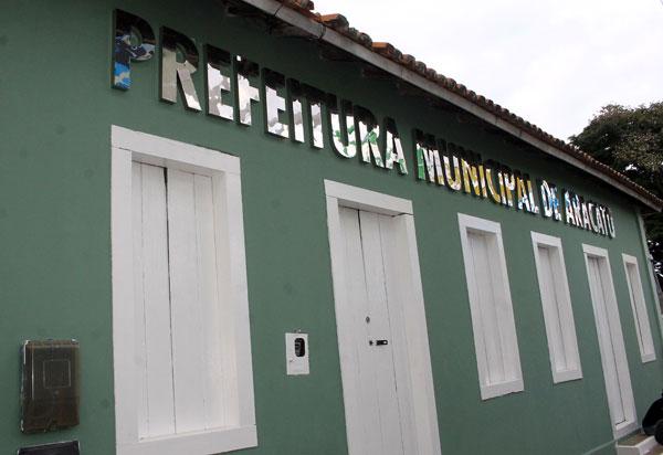 Aracatu: TCM aprova contas do prefeito Sérgio Maia; vice-prefeita Lêda Matias tem contas rejeitadas e é multada em R$5 mil e R$31.200,00