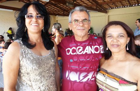 BRUMADO: PROFESSORES COMEMORAM APOSENTADORIA