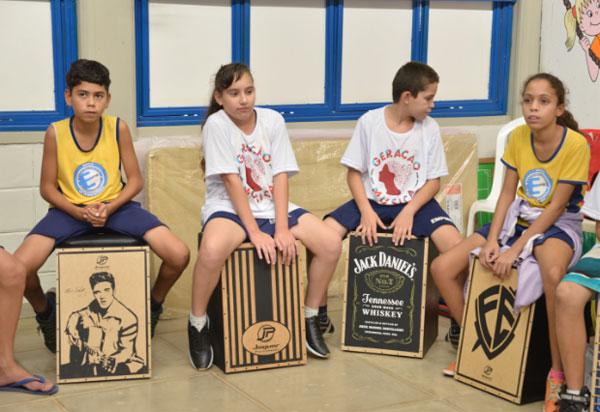 Escolas de Brumado recebem projeto musical gratuito